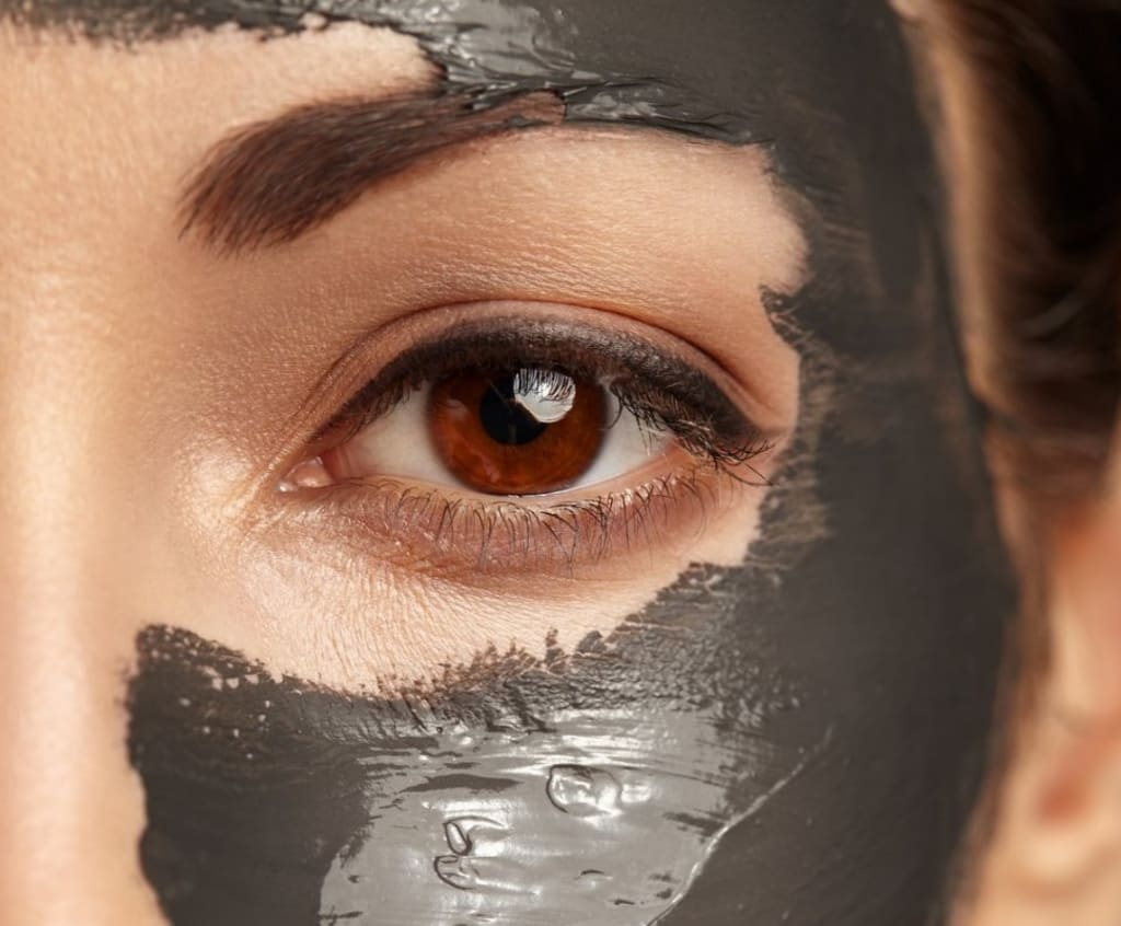 Dead Sea Mud Mask: 6 Proven Health & Beauty Benefits for Your Face