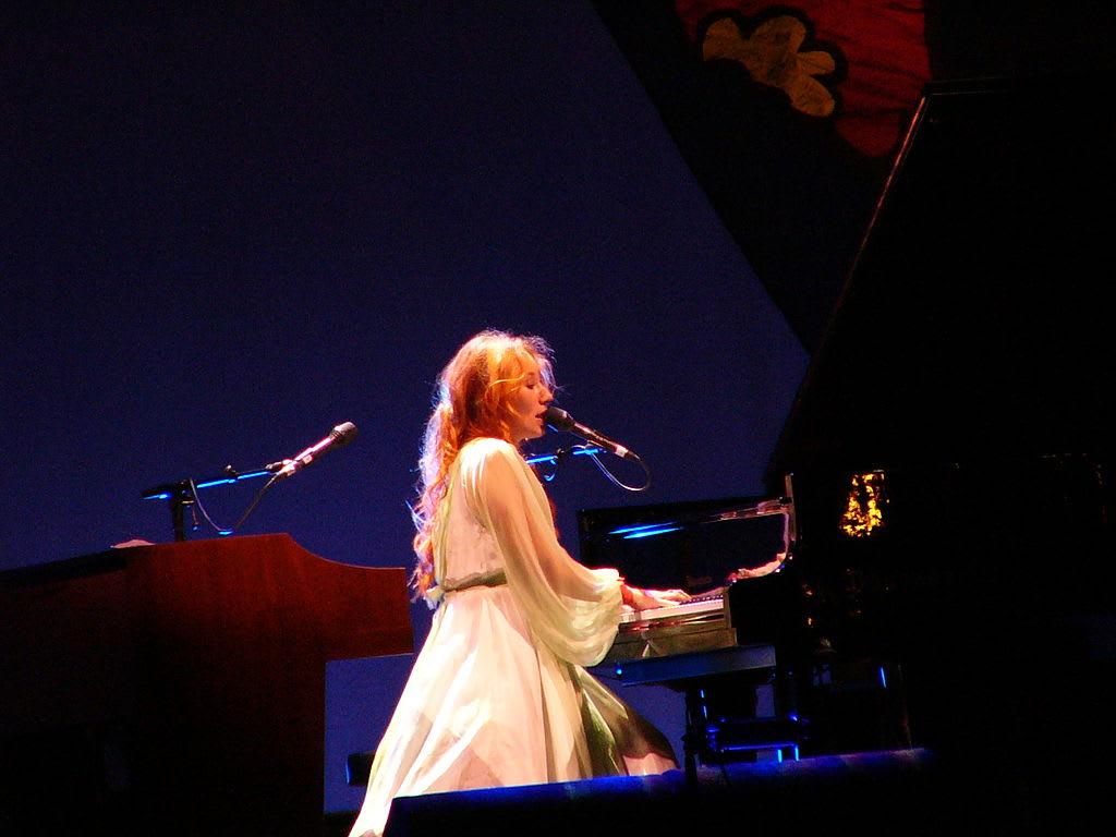 10 Best Tori Amos Songs