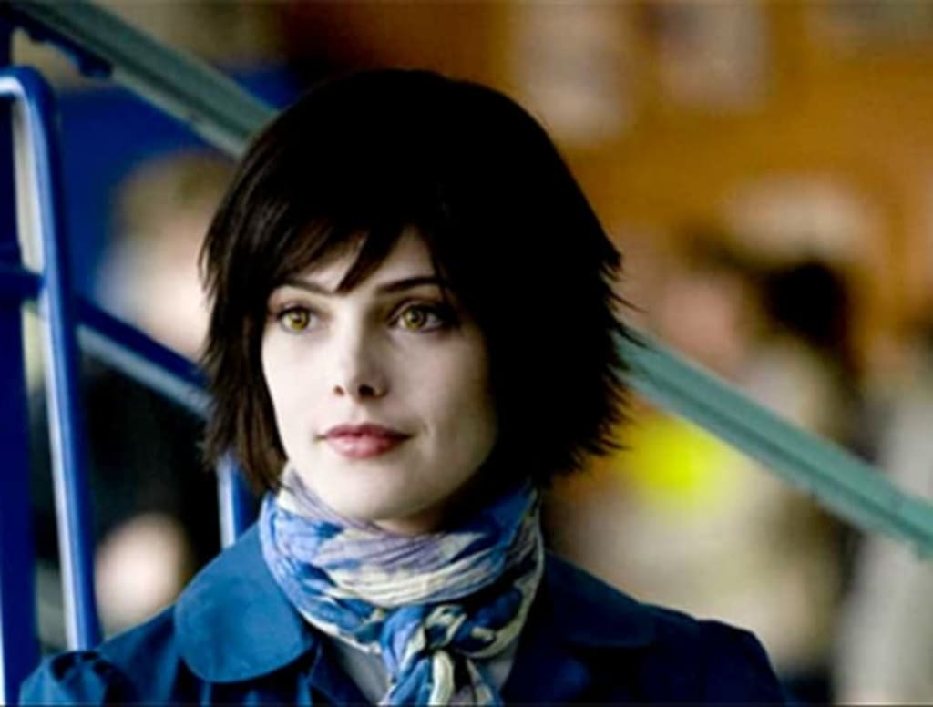 Why Alice Cullen's Backstory Deserves A 'Twilight' Movie Of