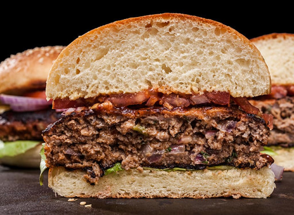 Simply Samantha: Beefy Onion and Bacon Cheddar Burger