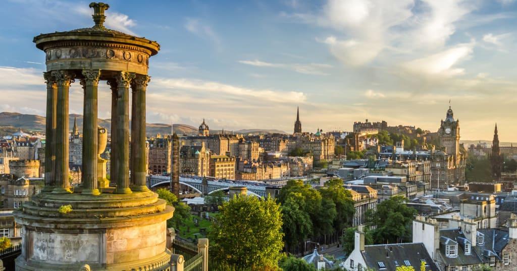 10 Reasons to Visit Edinburgh