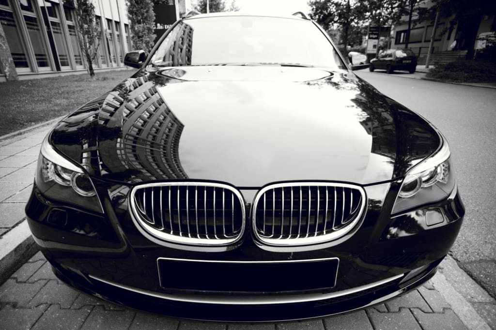 Why It's Better to Opt for Chauffeured Luxury Car Rental over Self-Drive Car Rental?