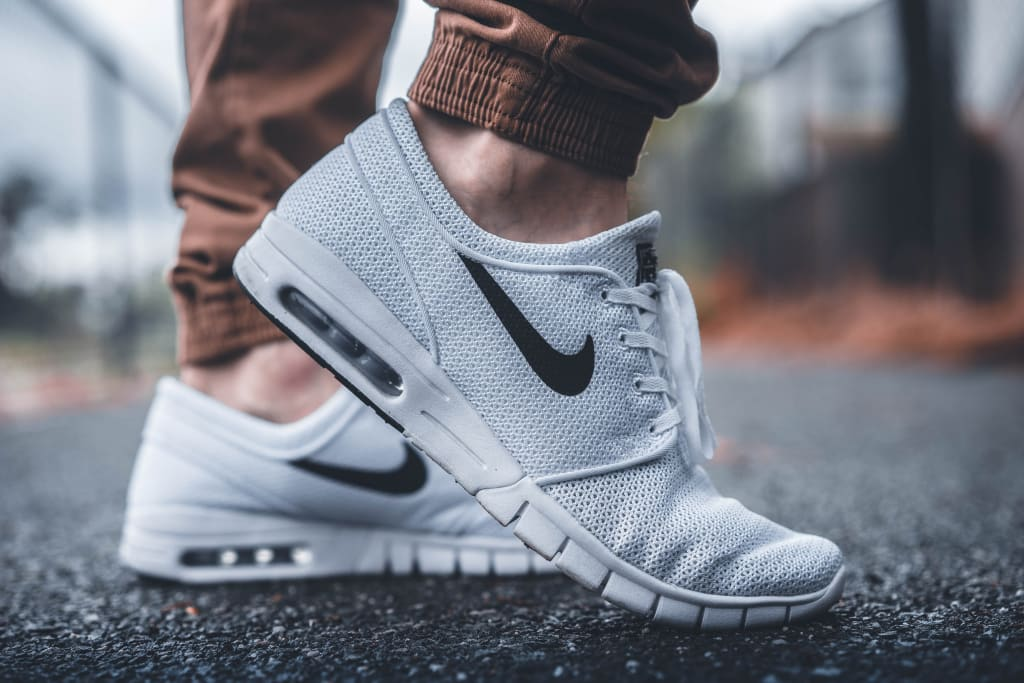 10 Sneakers That Match Everything