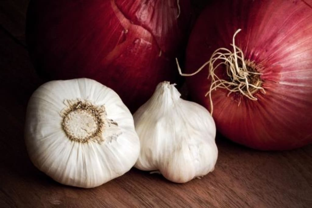 Garlic and Onions: Two Foods With a Medicinal Kick