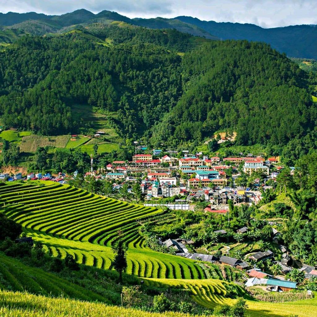 The Comprehensive Mountain Range of Sa Pa, Vietnam