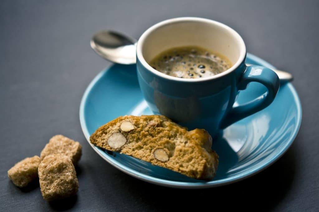 Cafe Mocha Espresso with Biscotti