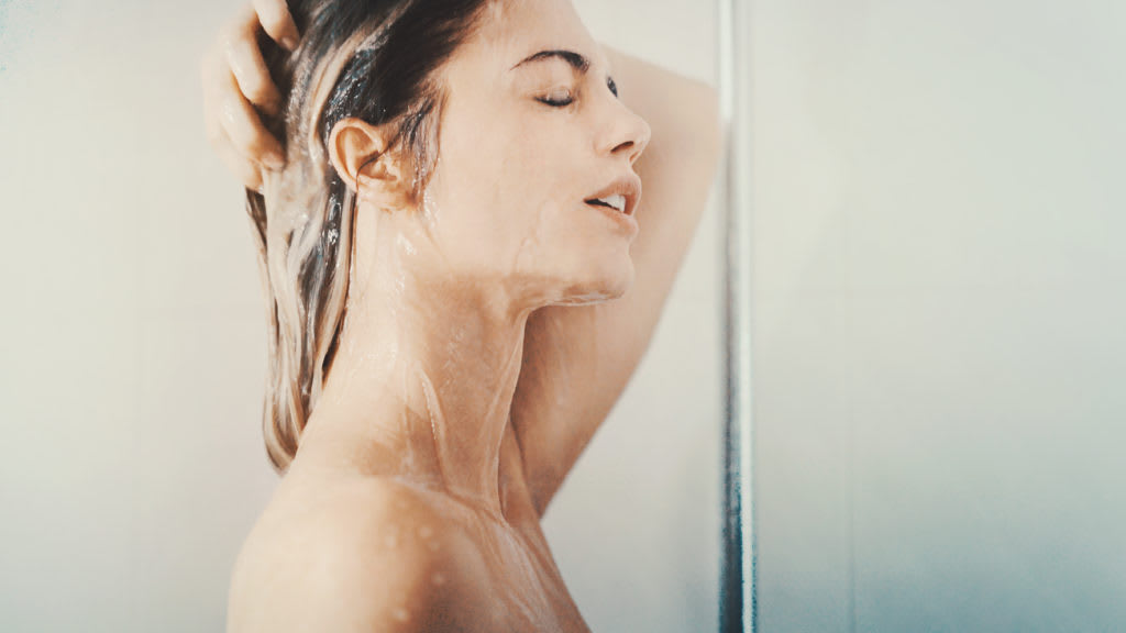 How to Wash Your Hair When There Is No Shower – Gross Content Alert