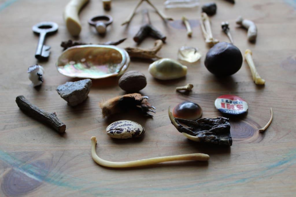Fortune Telling Oddities: Bone Throwing