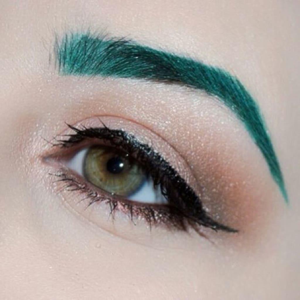 Cosplay Makeup Tutorial — Recoloring Eyebrows