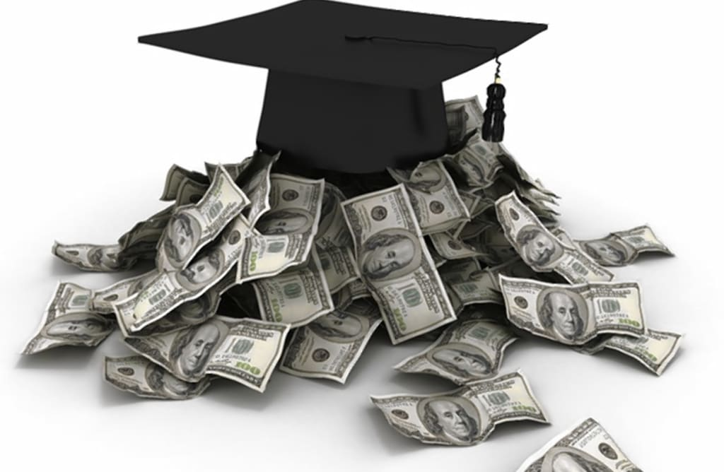 10 College Majors That Make over $100,000