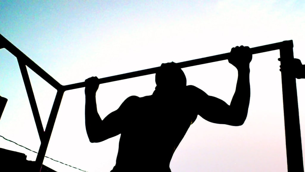 The Benefits of Bodyweight Training and Weight Lifting