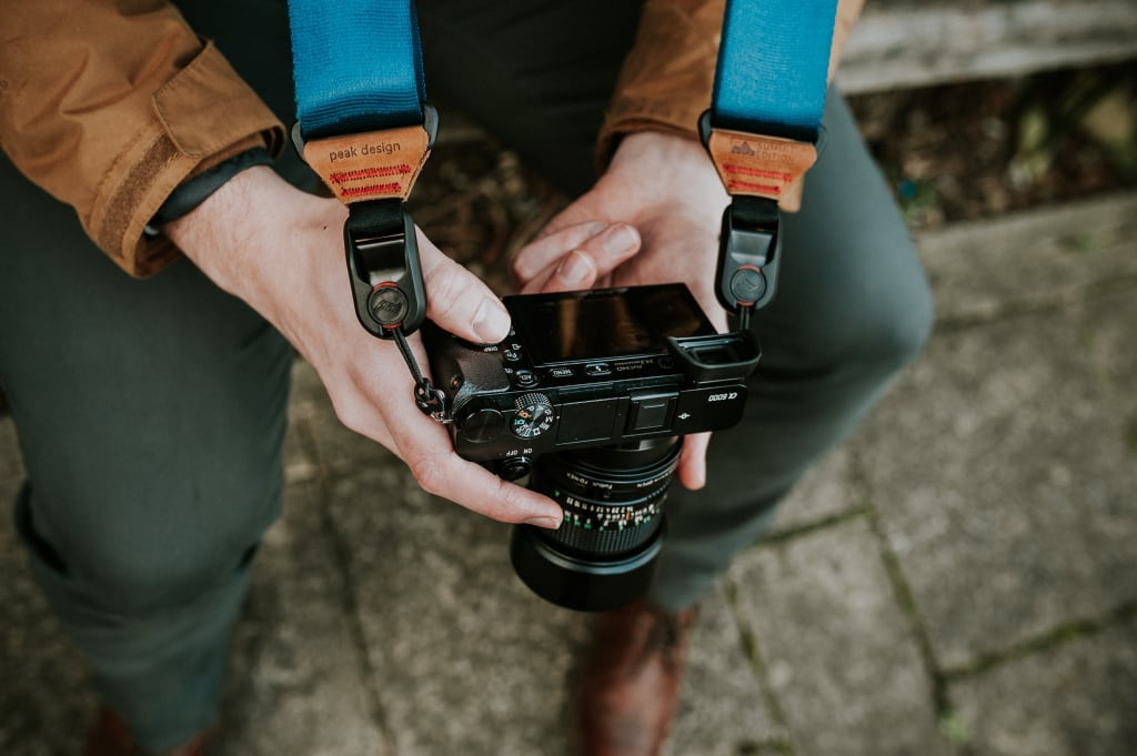 What Are the Advantages of a Mirrorless Camera?