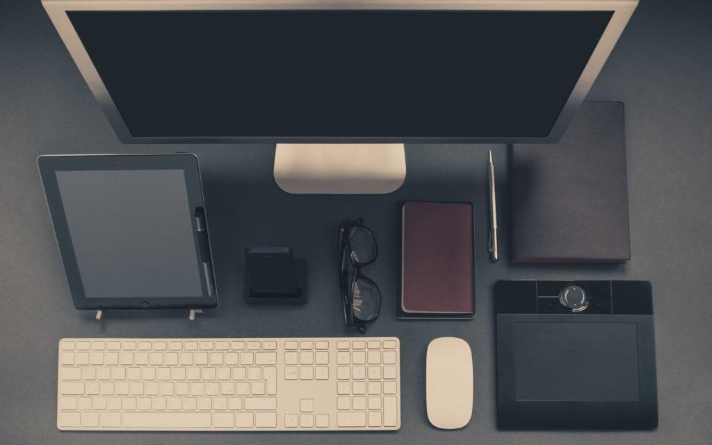 Accessories for a Pretty & Organized Desk