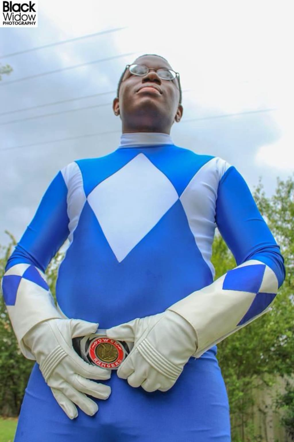 How To Dress Like The Blue Ranger