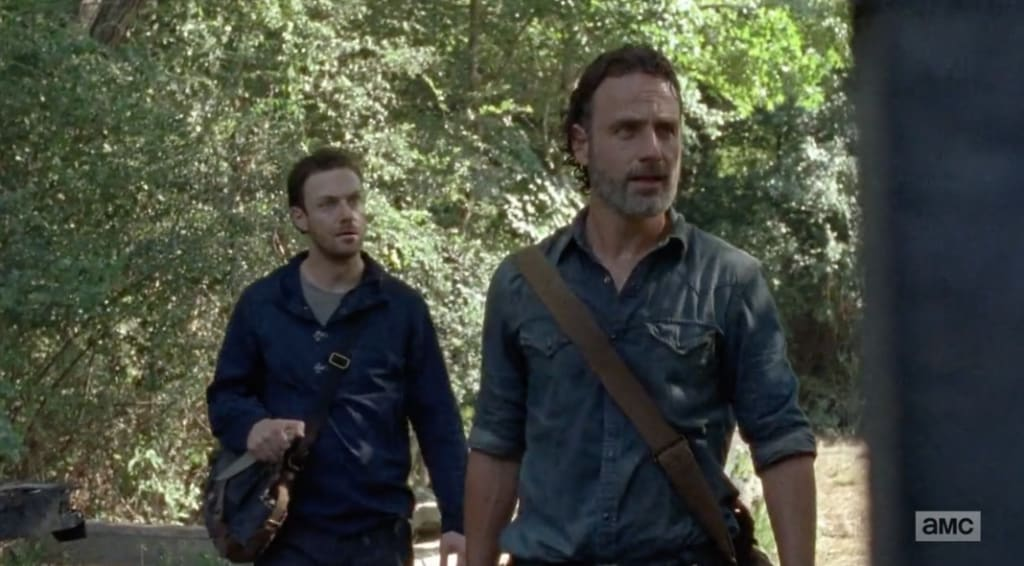'The Walking Dead' Episode 7: All 'Signs' Point To Trouble For Aaron And Rick