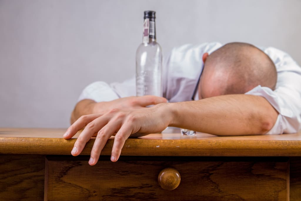 10 Signs You're Drinking Too Much Alcohol
