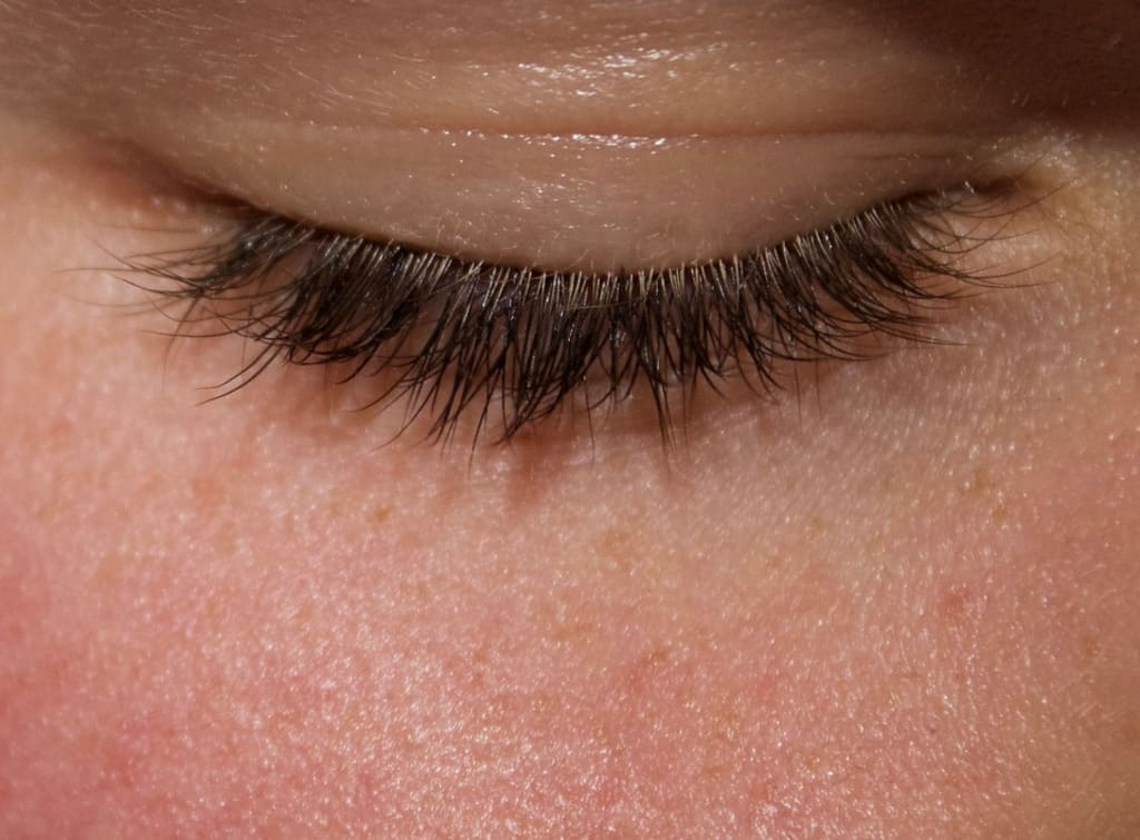 Life of the Lash: How to Make Your Eyelash Extensions Last