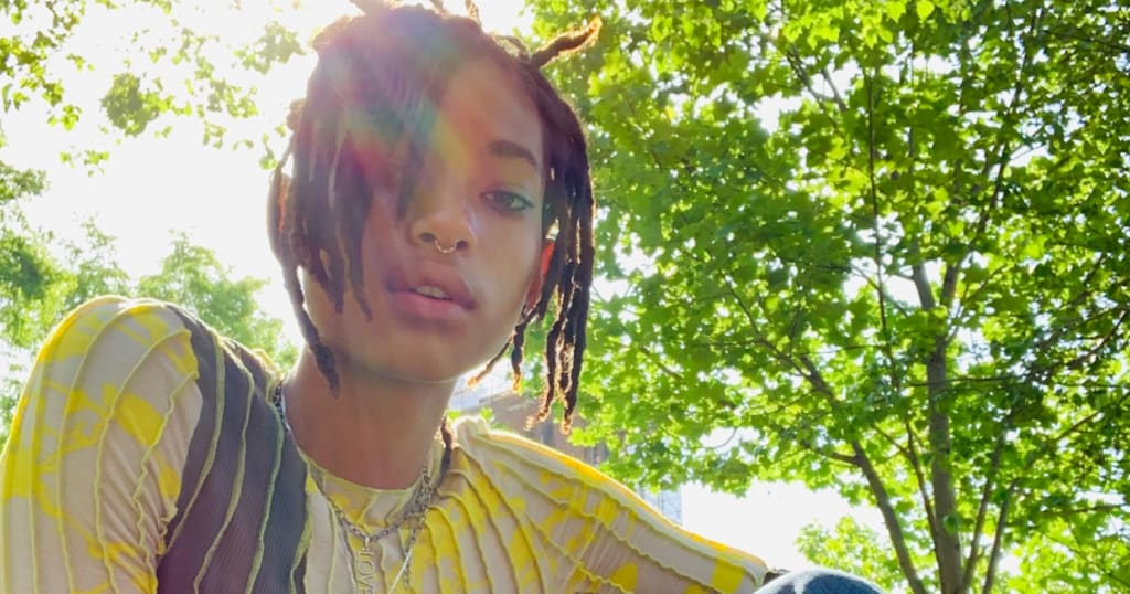 Willow Smith and 30 Other Bisexual Female Celebrities