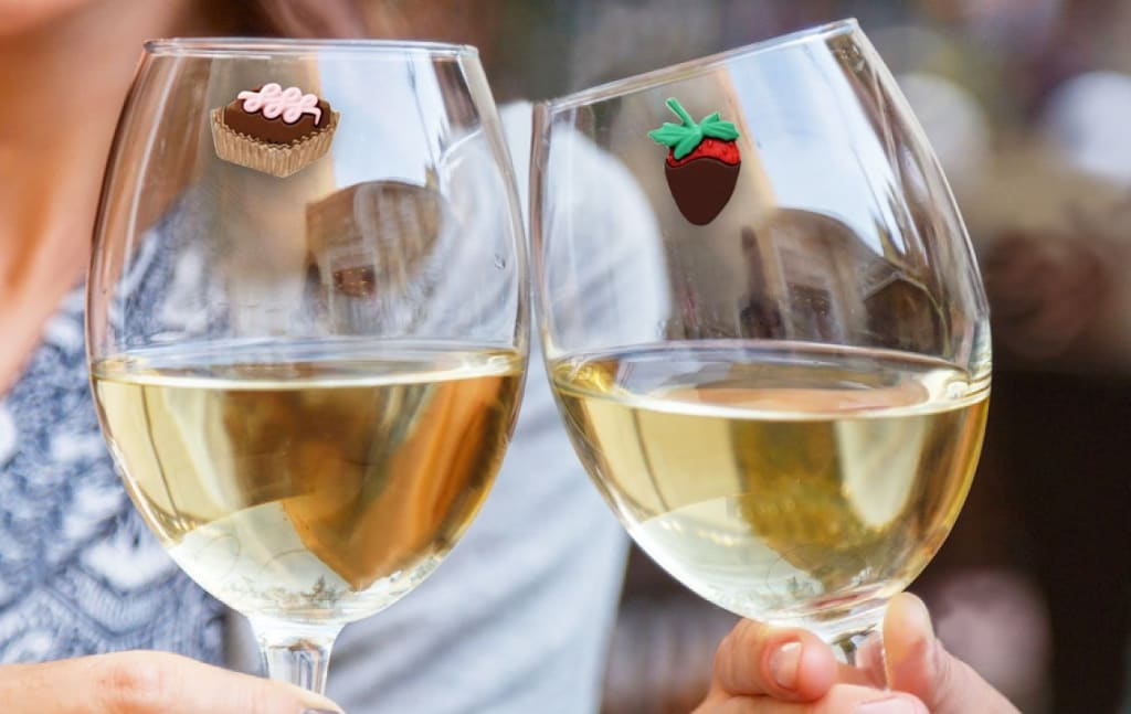Never Let Your Friends Confuse Their Drinks Again with These Fun Attachable Wine Glass Charms