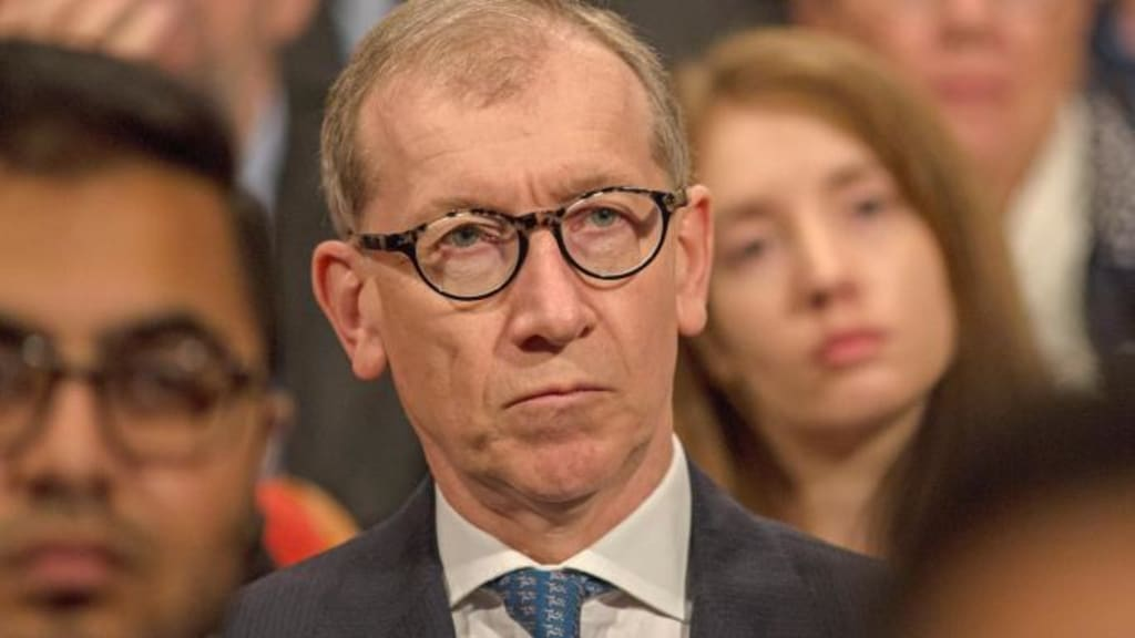 How Philip May's Company Benefits From the Syria Strikes: Lockheed Martin, the JASSM, and the Capital Group