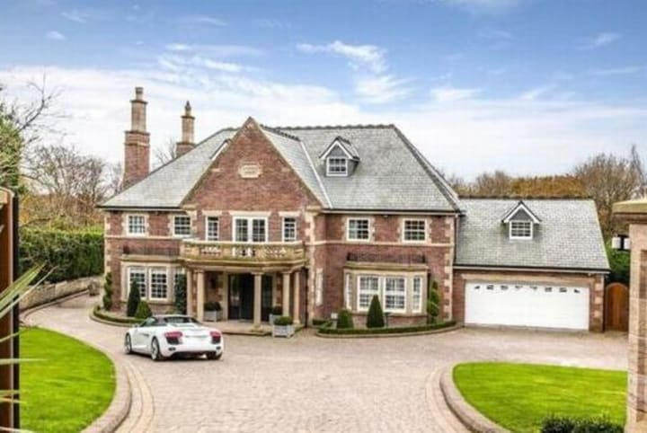 15 Millionaire Mafia Mansions Owned By Infamous Kingpins