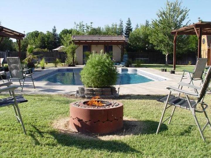 DIY Fire Pit Ideas to Make Your Backyard Look Hot