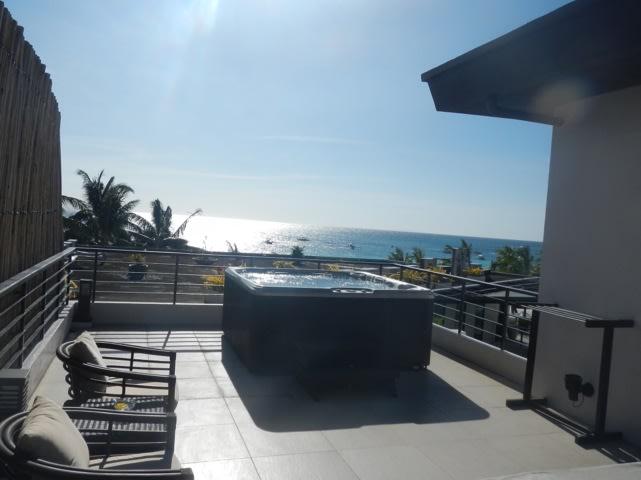 Boracay - Discovery Shores Balcony