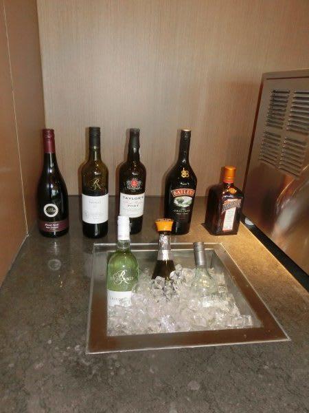 Hk Airlines - wine - shrink