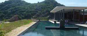 Amanoi pool