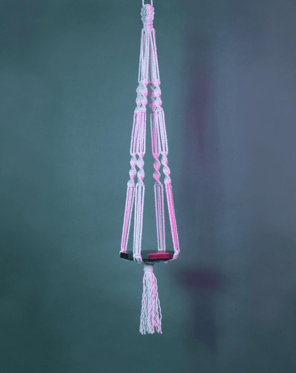 jeu-de-mains-Créez votre suspension en macramé et bois