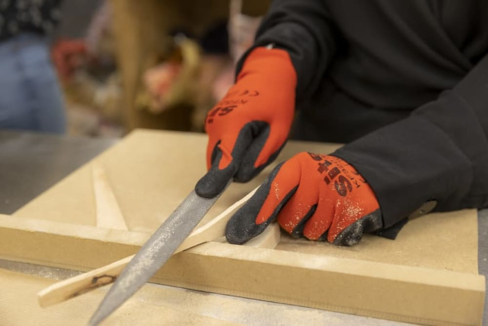 jeu-de-mains-Créez vos spatules en bois uniques