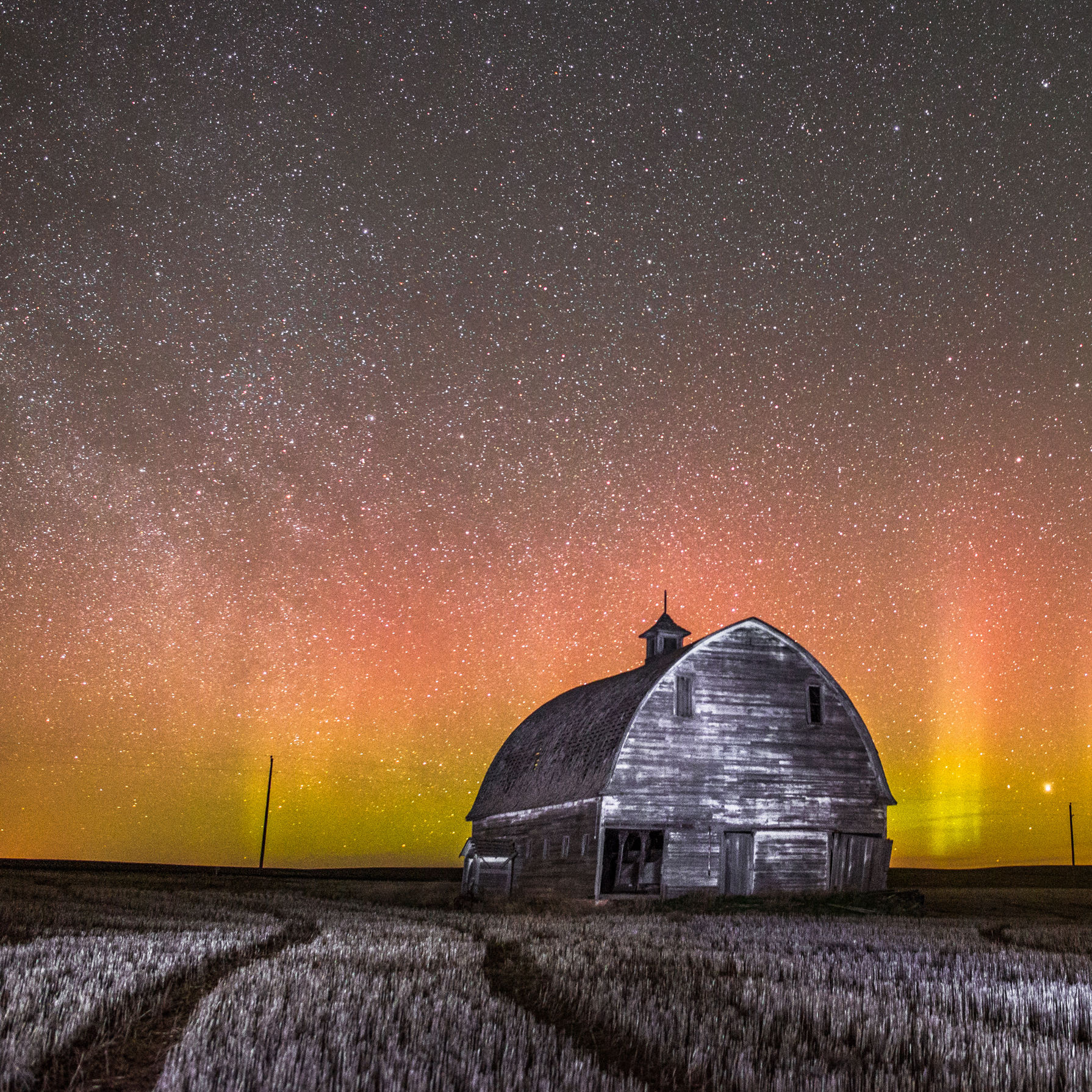 Jis 0616 night sky aurora borealis hd8oy1