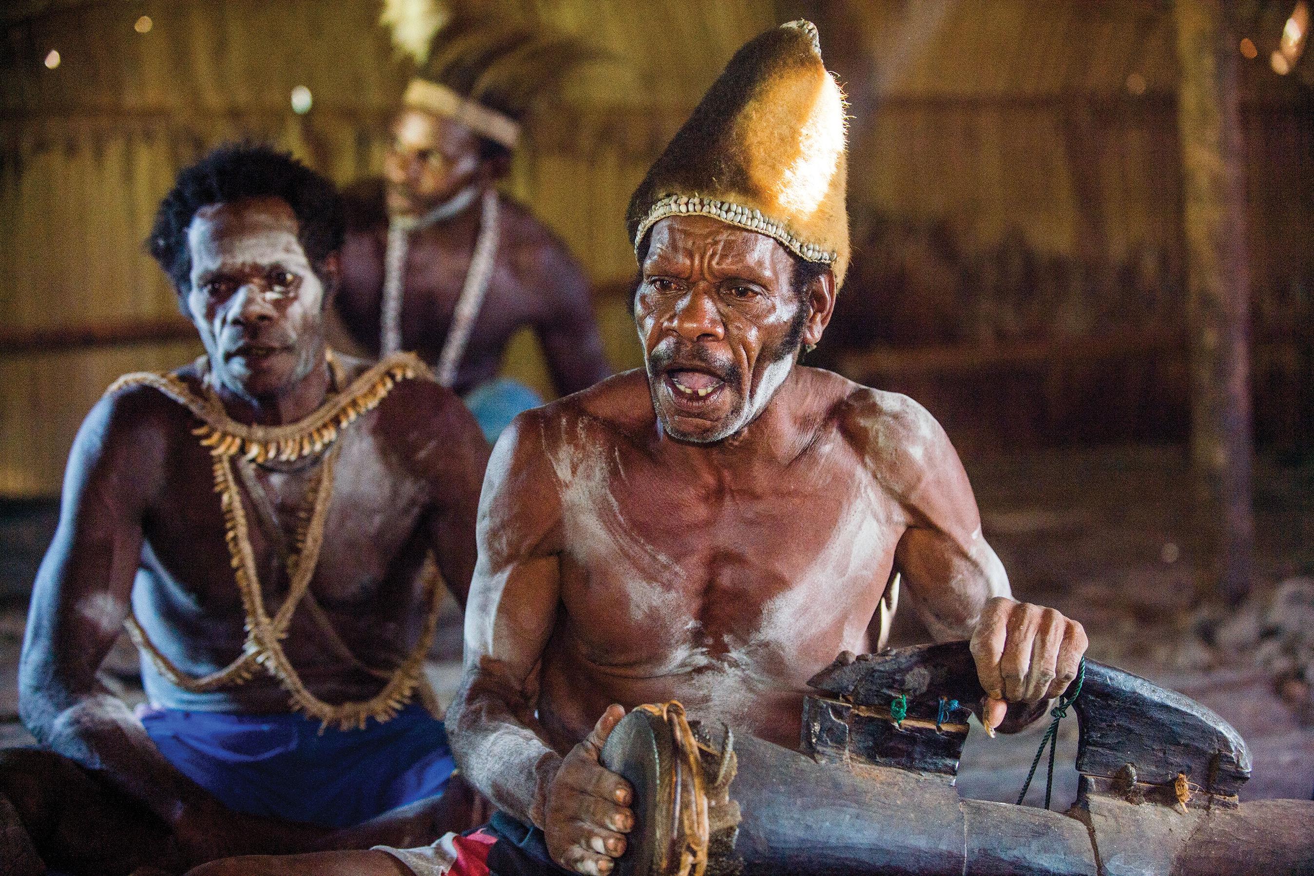 Jis 0217 travel indonesia asmat tribesman ys15xp