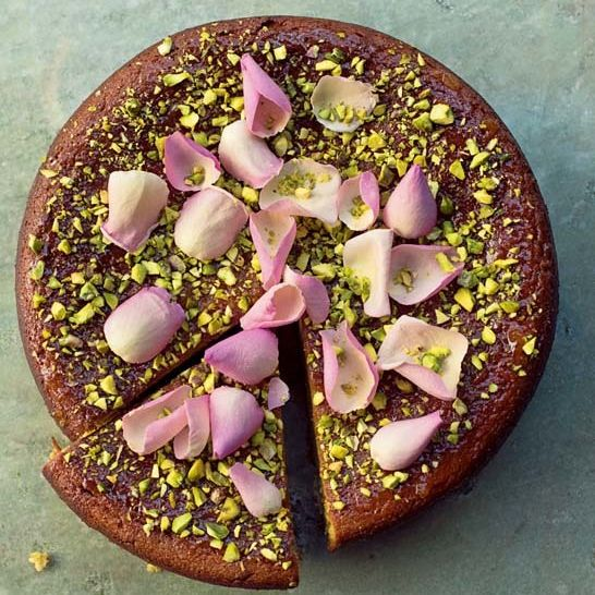 Pear pistachio and rose cake jdmdl4