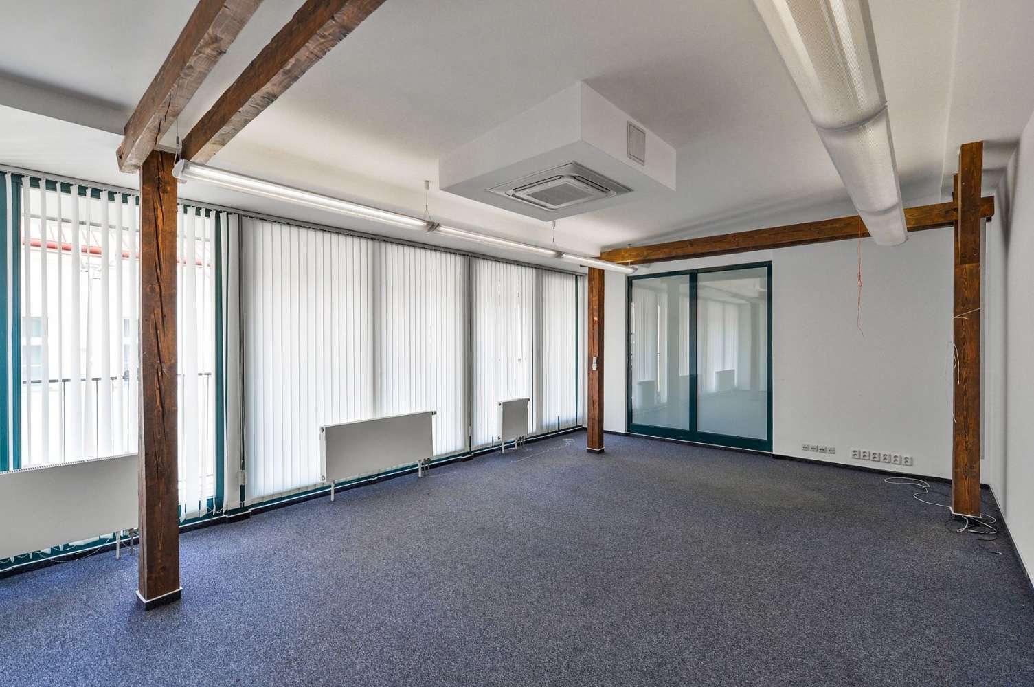 Offices Prague, 186 00 - Za Poříčskou Bránou