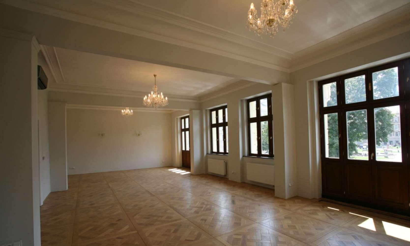 Offices Prague, 150 00 - Náměstí Kinských 3