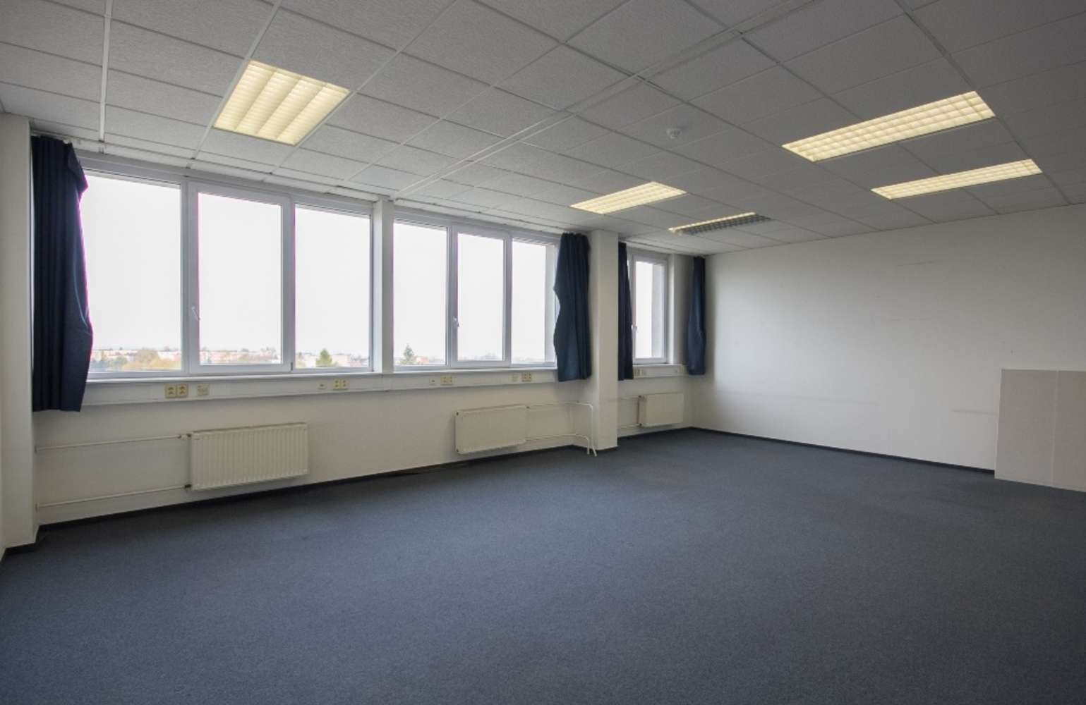Offices Prague, 155 21 - Ringhofferova - 9
