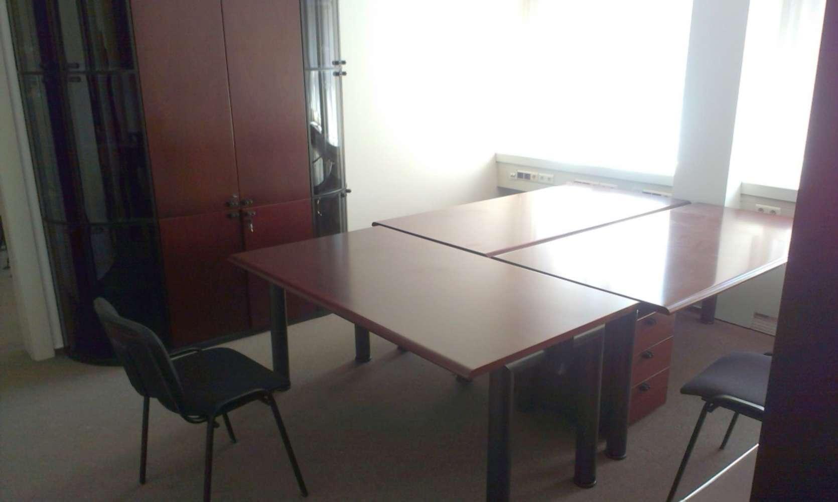 Offices Prague, 110 00 - Celetná 25 - 8