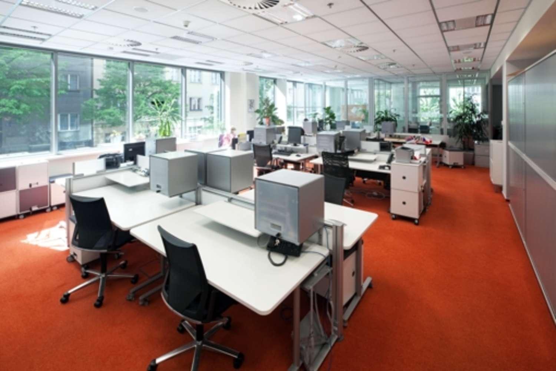 Kanceláře Praha, 130 00 - Luxembourg Plaza - 7