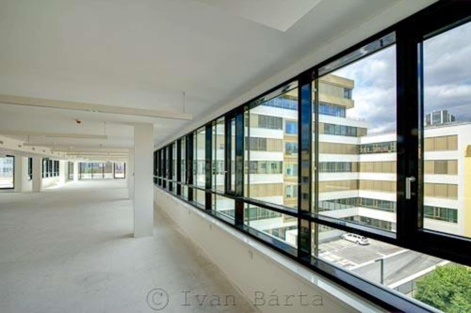 Offices Prague, 140 00 - Qubix - 02