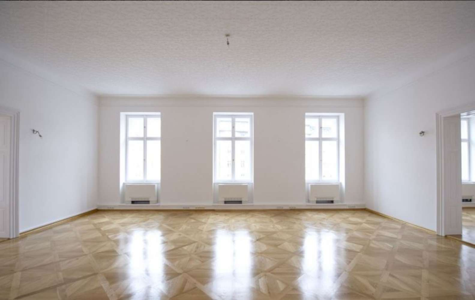 Offices Prague, 110 00 - Kronberg building - Senovážné náměstí - 67