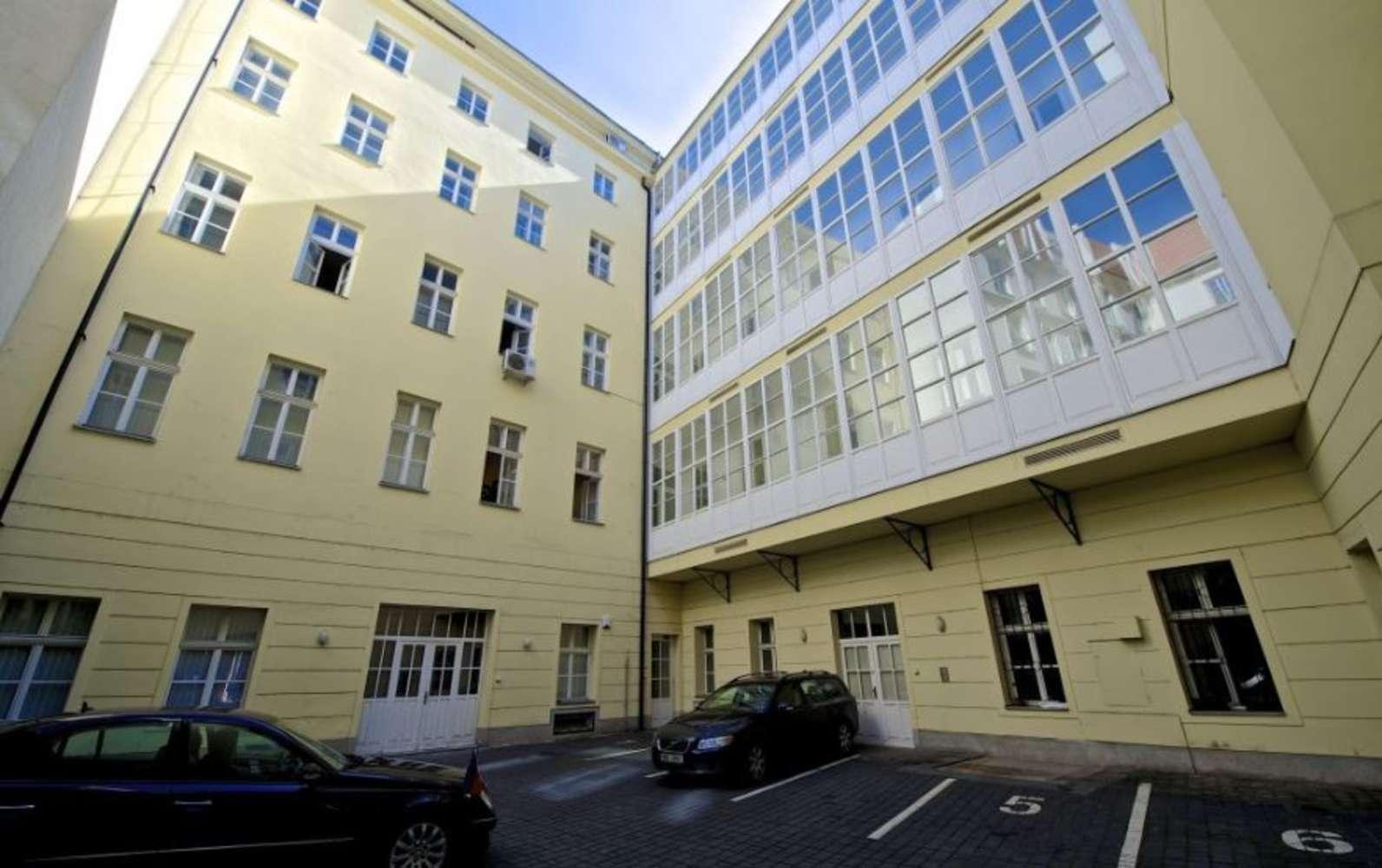 Offices Prague, 110 00 - Kronberg building - Senovážné náměstí - 7