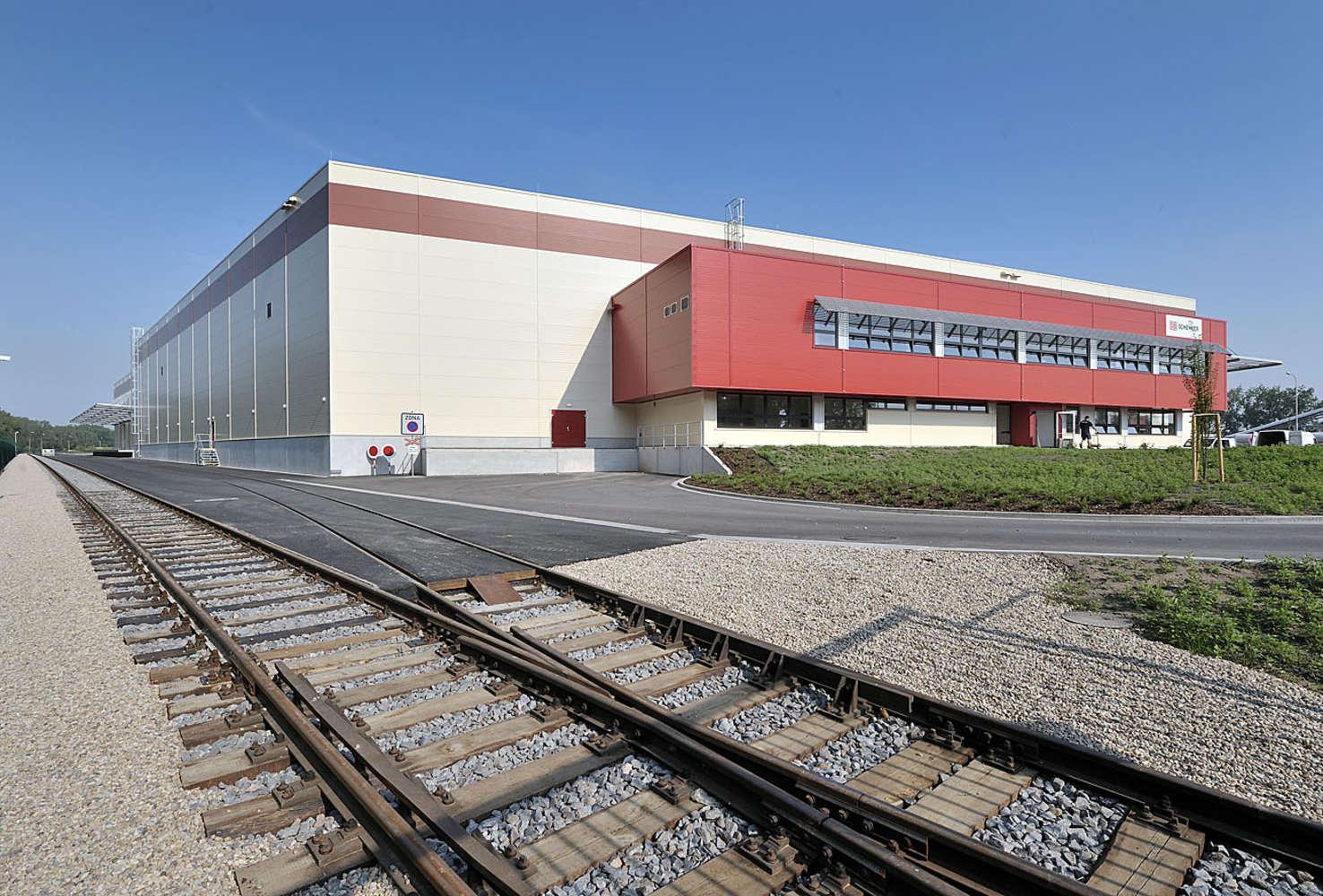 Industrial and logistics Pardubice - semtin,  - Logistické centrum Zelená Louka - 153050425179803
