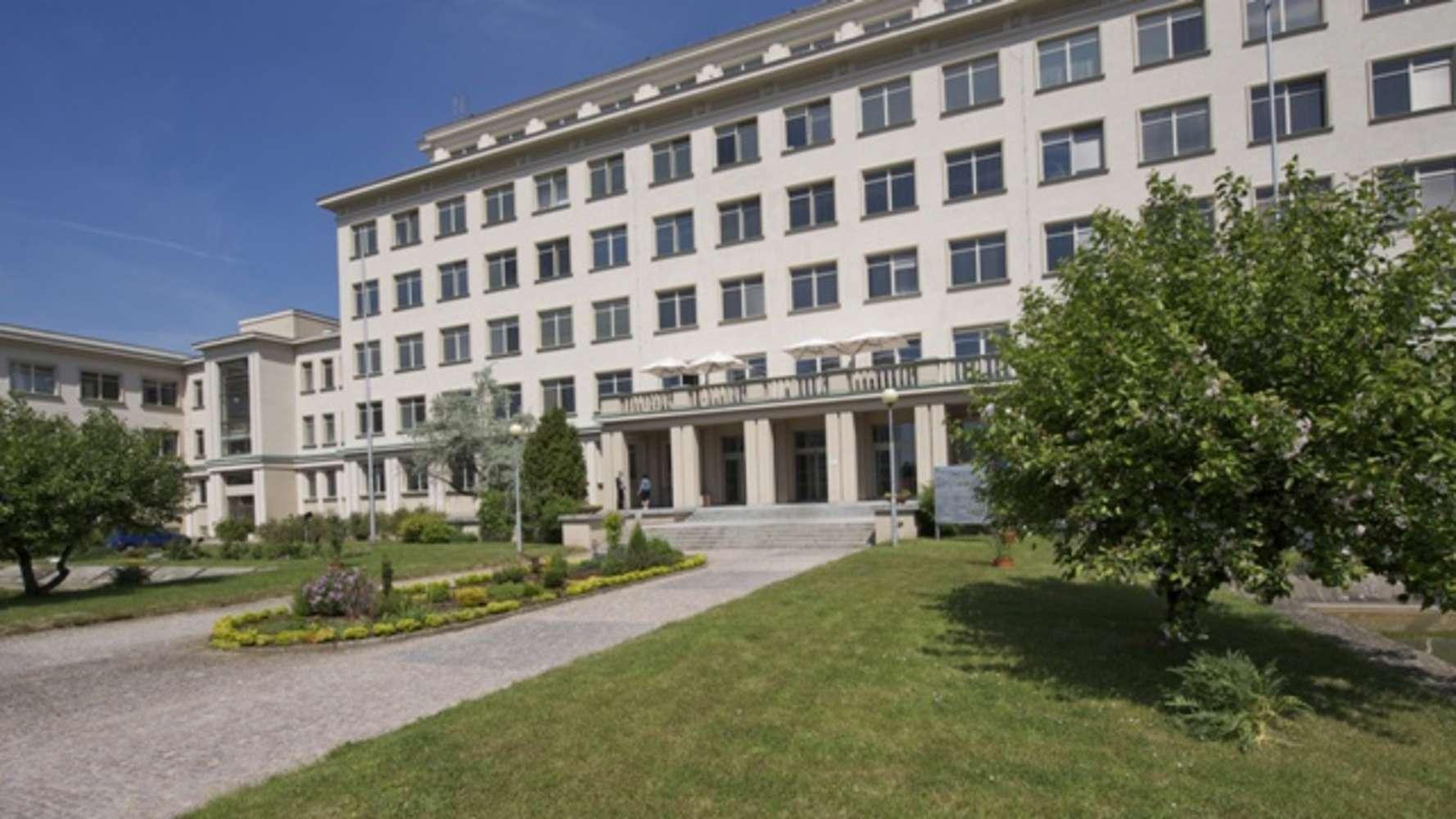 Offices Prague, 142 00 - BesNet Centre - 9