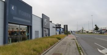 Retail to let Sint-Pieters-Leeuw