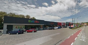 Retail to let Renaix