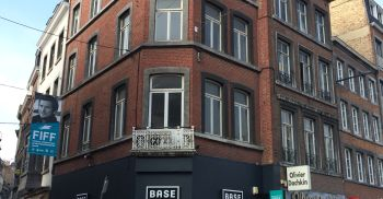 Retail to let Namur