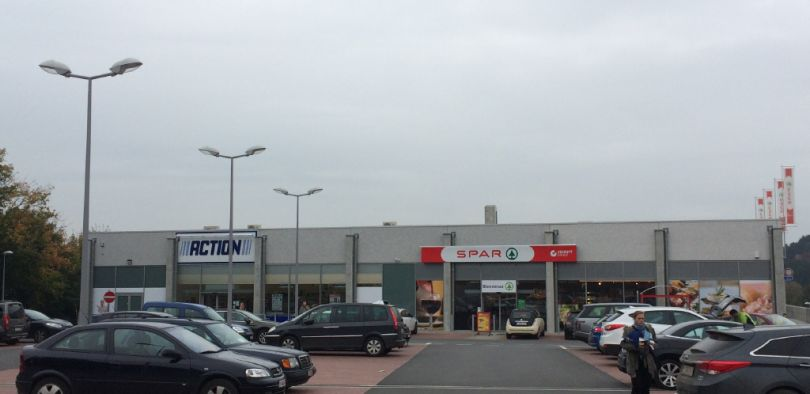 Retail to let Berzée