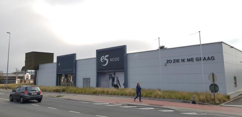 Retail to let Sint-Pieters-Leeuw
