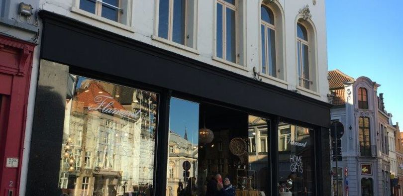 Retail to let Brugge